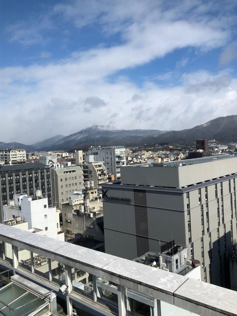 京都から見える雪の比叡山2