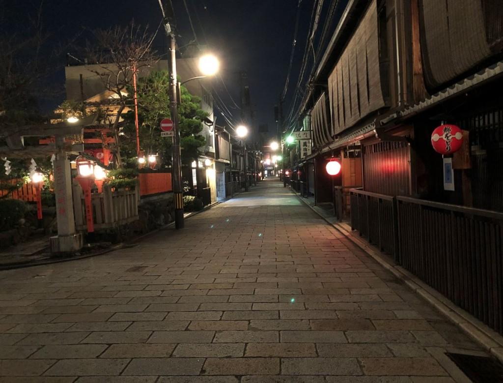 人波が消えた夜の巽橋界隈2