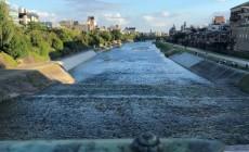 四条大橋と鴨川